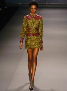 Jewel_by_Lisa_Spring_2010_Fashion_Week_New_York_2_full
