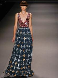 Jewel_by_Lisa_Spring_2010_Fashion_Week_New_York_3_full