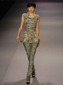 Jewel_by_Lisa_Spring_2010_Fashion_Week_New_York_4_full